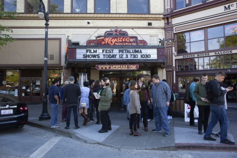 Petaluma Film Fest 18 - crowds outside Mystic theater